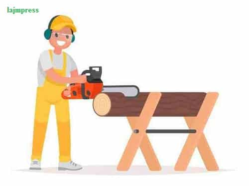 Safety Instructions When Using The Chainsaw